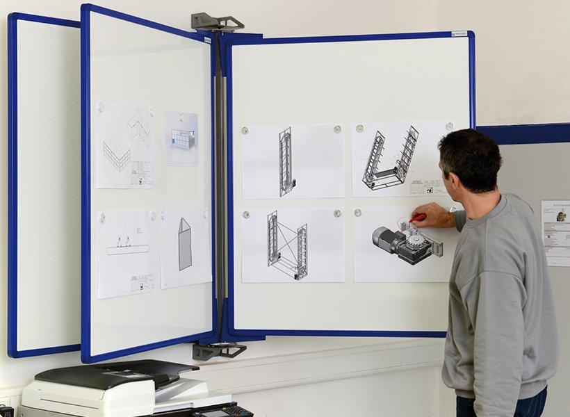 Tafeln an der Wand: Schwenkrahmen Visualisierung WEIGANG.